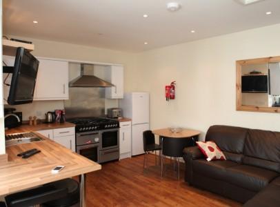 Alice House Kitchen 1a