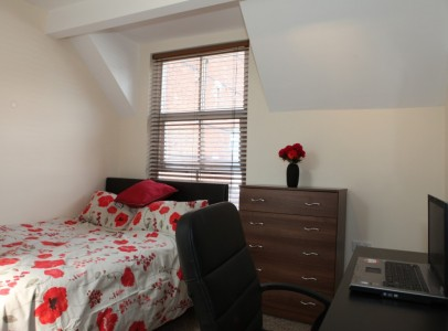 Alice House bed 2b