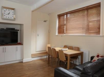 Burns lounge & Kitchen 1a