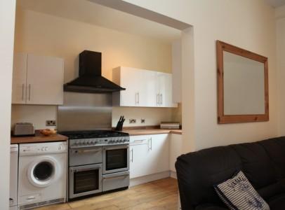 Burns lounge & Kitchen 1b