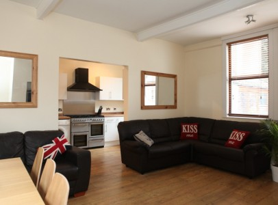 Burns lounge & Kitchen